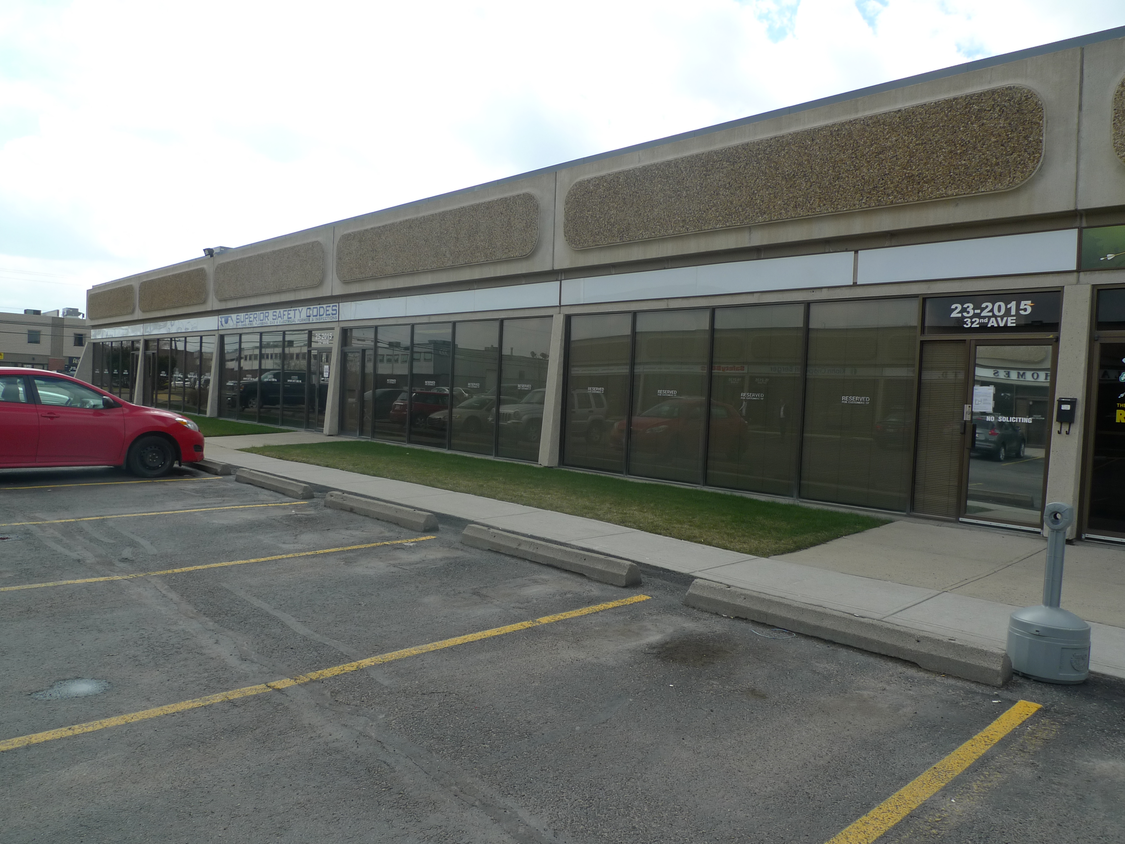 Retail Space For Lease In NE Calgary