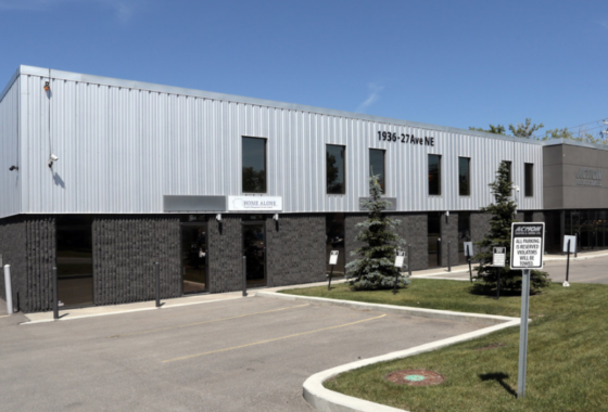 Equal Office and Warehouse Space For Lease