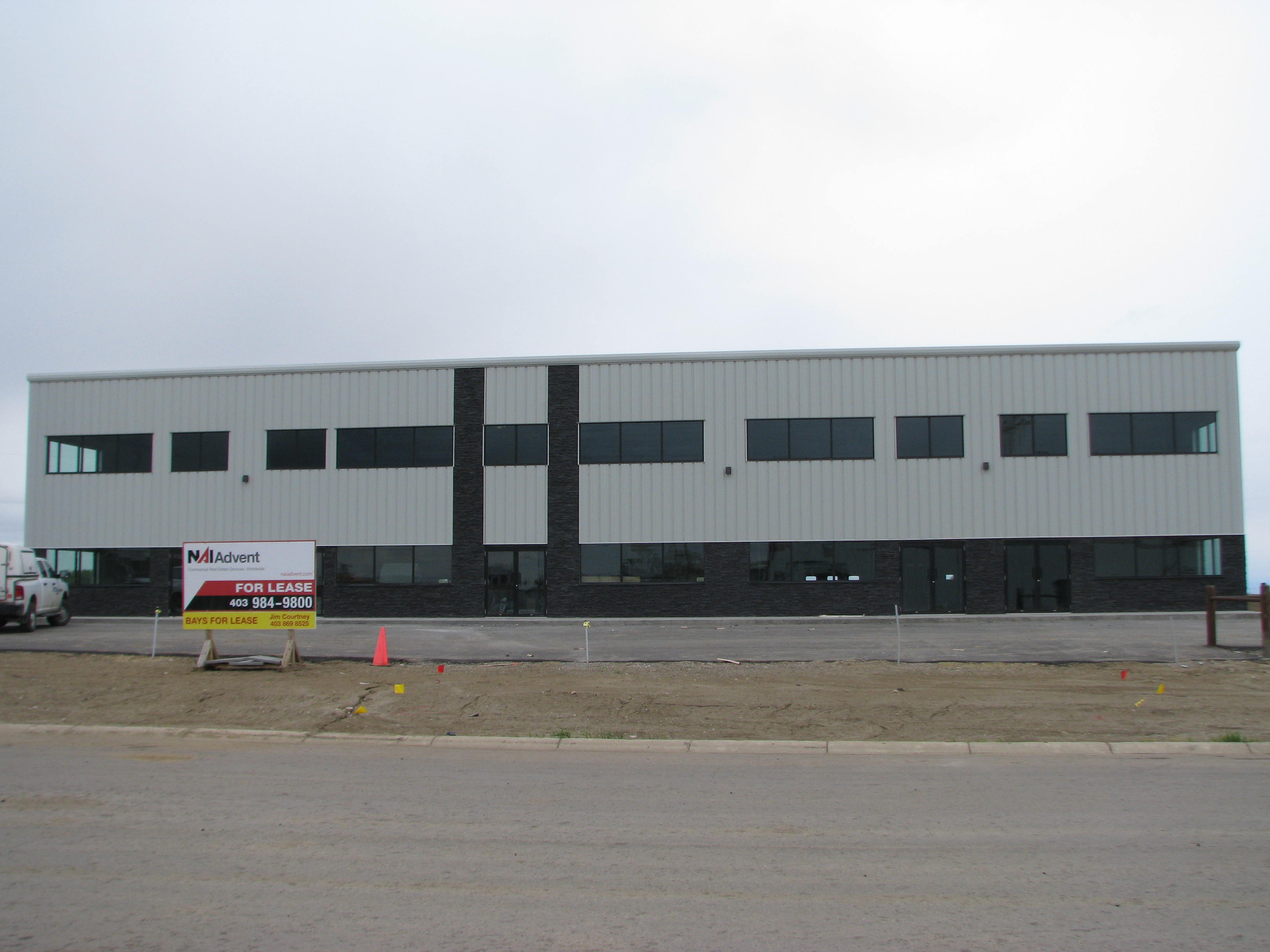For Lease: Carstairs Industrial Bays for Sale/Lease - 4 BAYS LEFT
