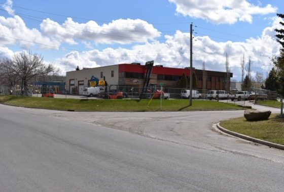 Free-Standing Mixed Use Building in Foothills Industrial Park