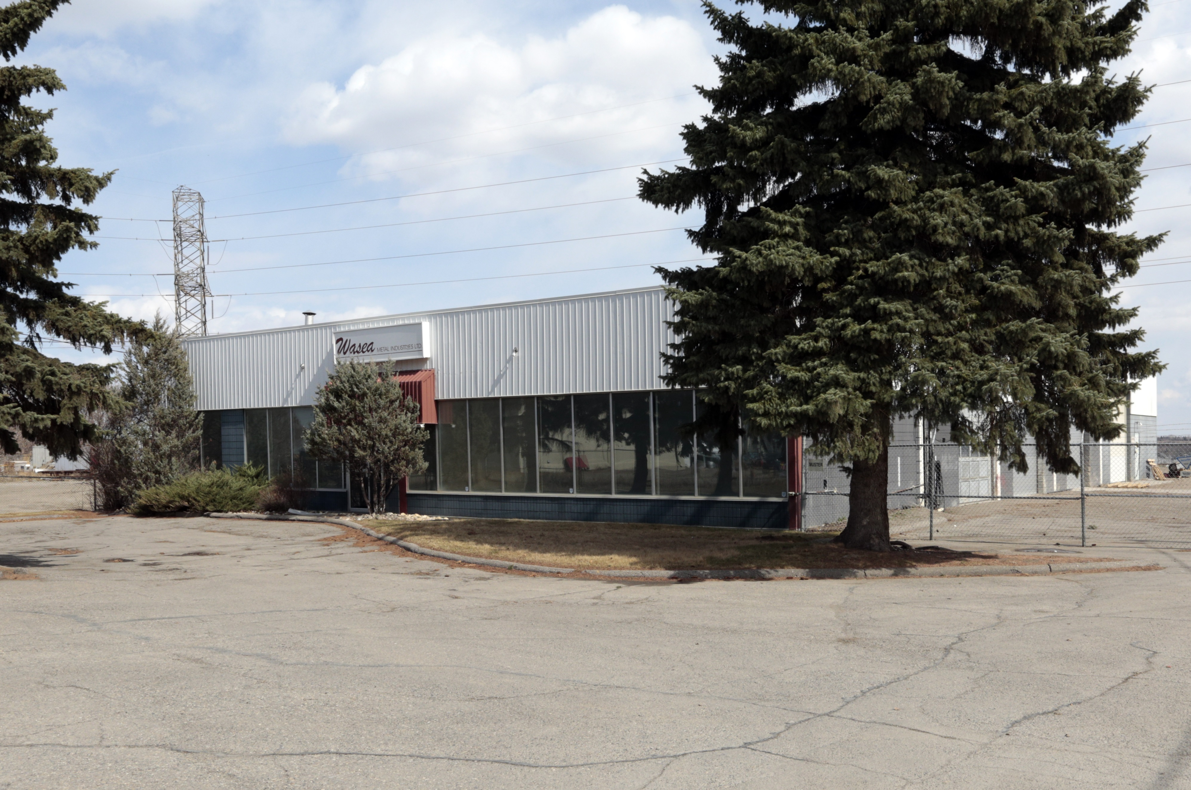 10,120 ± sq. ft. Industrial Building on 1.54 Acres