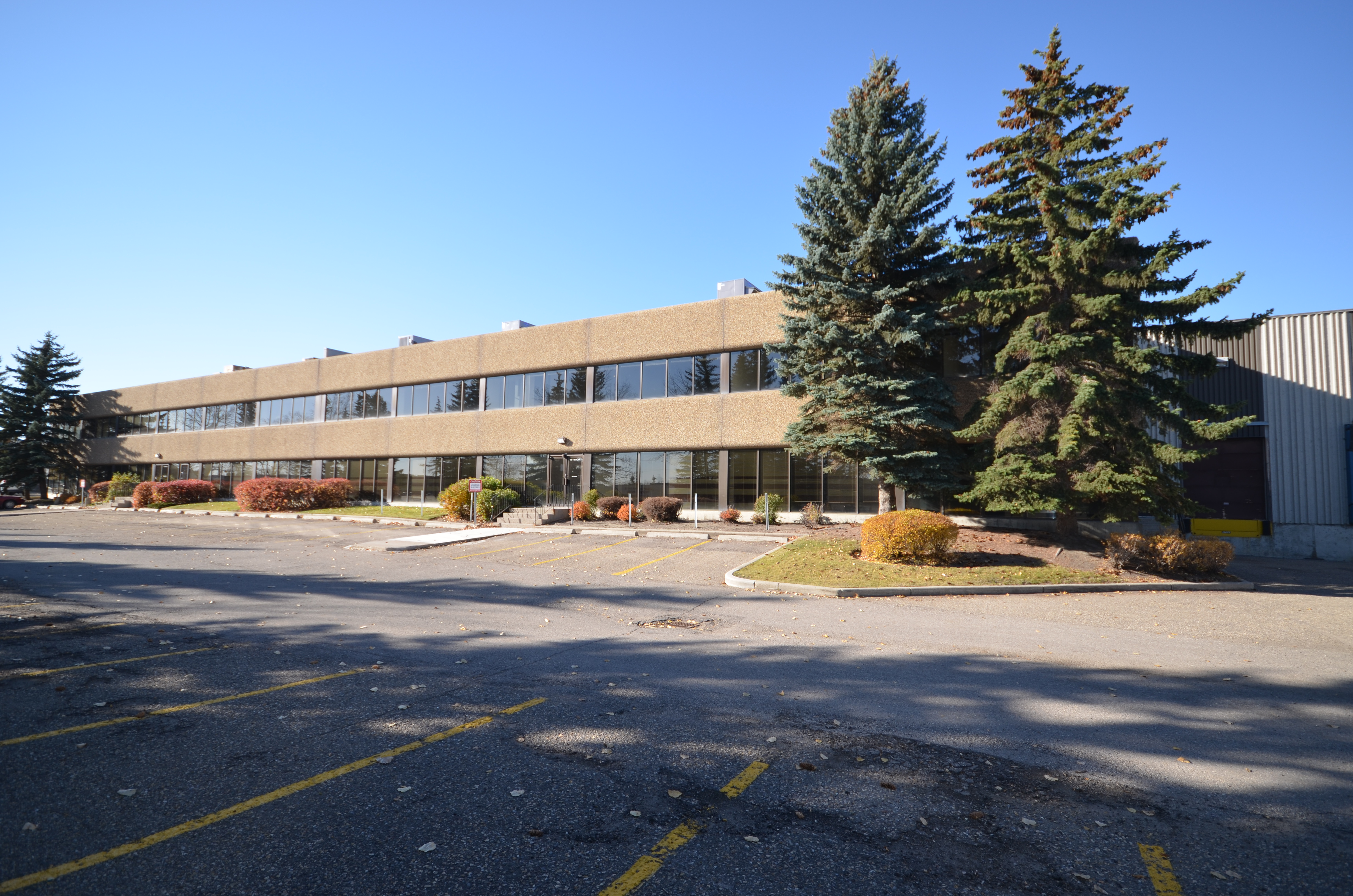 Industrial Office & Warehouse for Lease